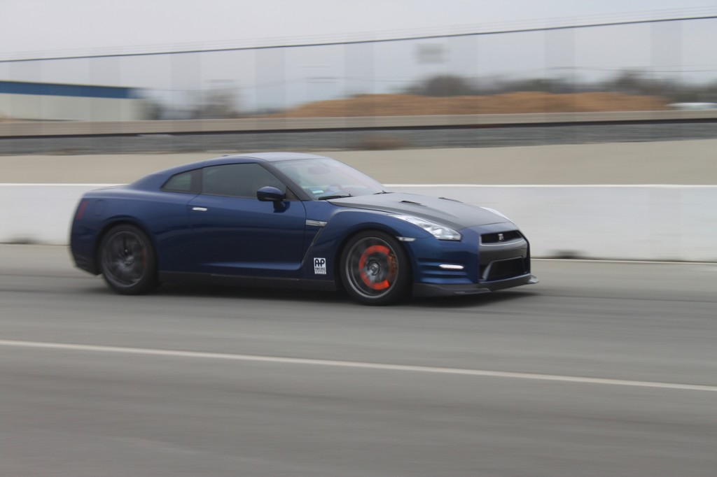 Under the extreme conditions that the Carbon Ceramic kits are tested, rotors can glow bright orange