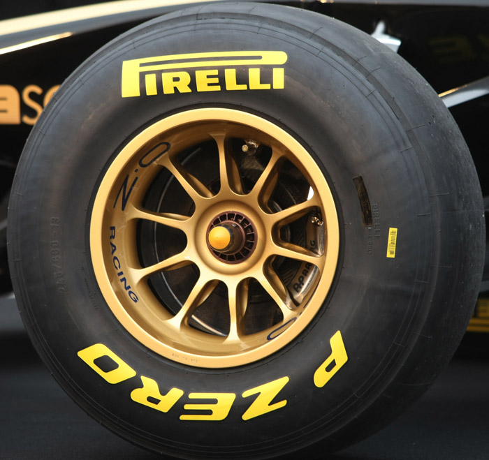 AP Racing Brake Kit on Lotus Renault GP R31