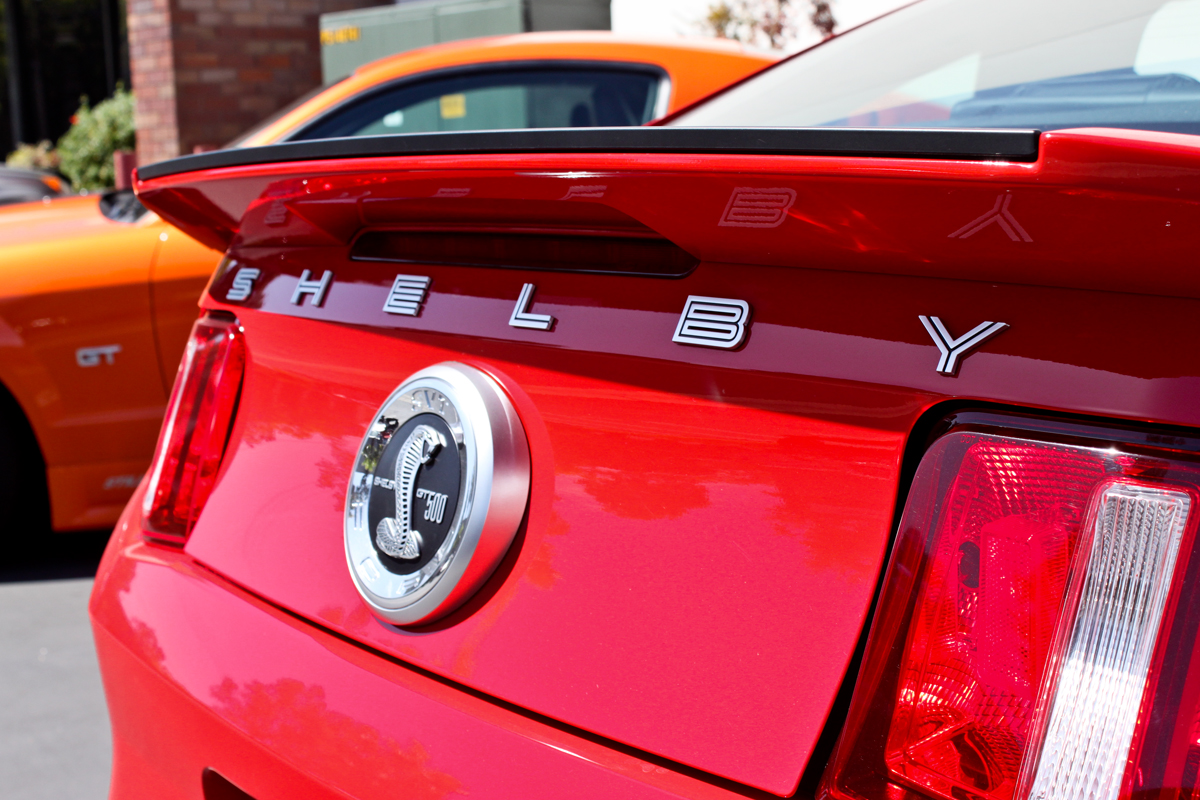 Ford GT 500 Shelby Cobra rear