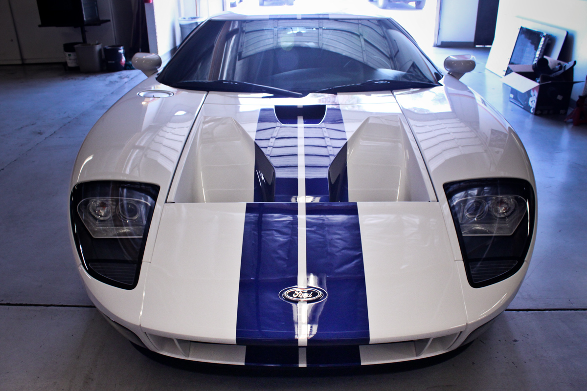 white ford gt front