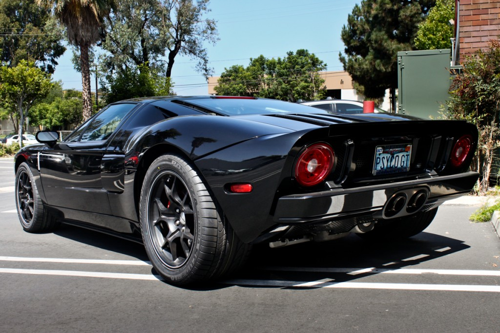 black ford gt rear angle