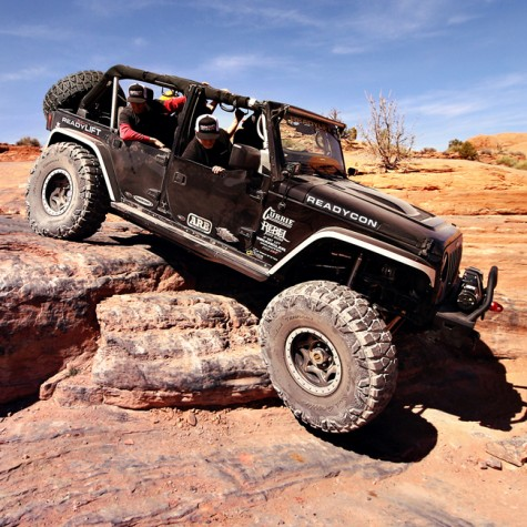ReadyLift Heavy Duty Track Bar Set on Jeep JK