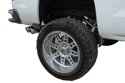 Gibson Dual Exit Behind Right Rear Tire