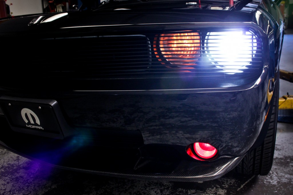 magnuson supercharged challenger phanthom grill with red fog lights