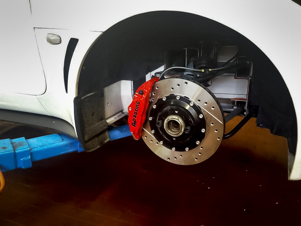 2008 Lotus Exige Getting Its AP Racing Brake Kit Installed