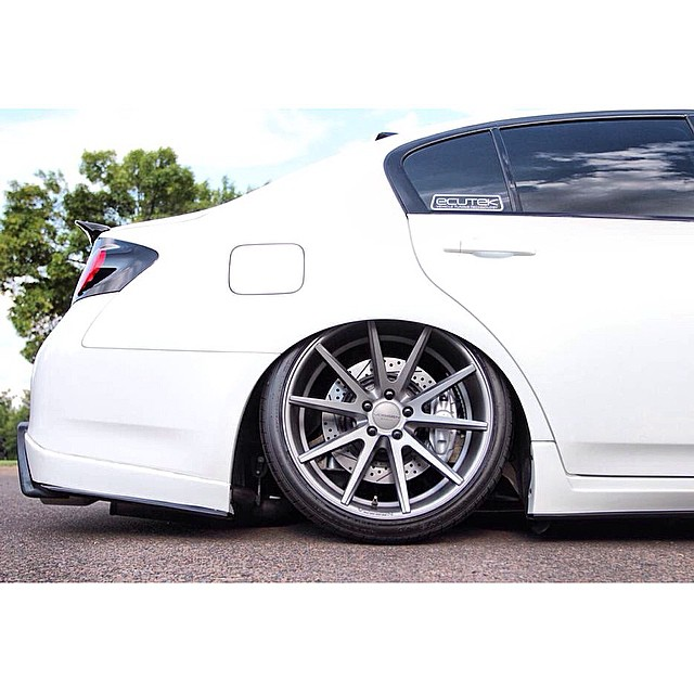 Wheel Wednesday with a Fitment Flare! @drewjevans G37xS tucking with @AirREXusa on @Vossen VFS-1's!