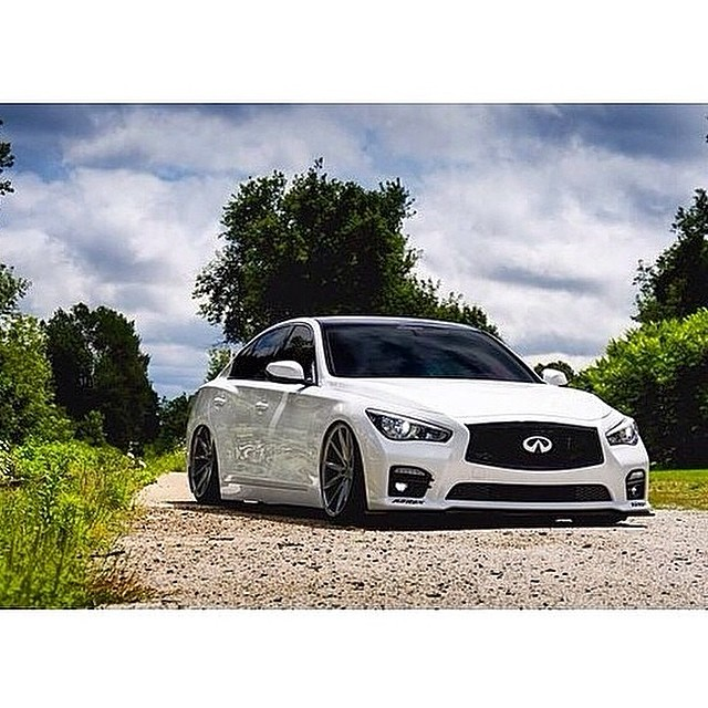 Laid out Q50S AWD on @AirREXusa Suspension, tucking @Vossen VFS-1's, and sporting STILLEN Splitter, Diffuser, and Intakes! Thanks for sharing (owner) @dystinctive via @Infiniti_b0und