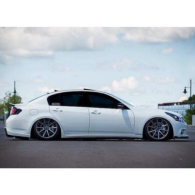 @drewjevans airred out on his @AirREXusa suspension from STILLEN and tucking @Vossen VFS-1's.